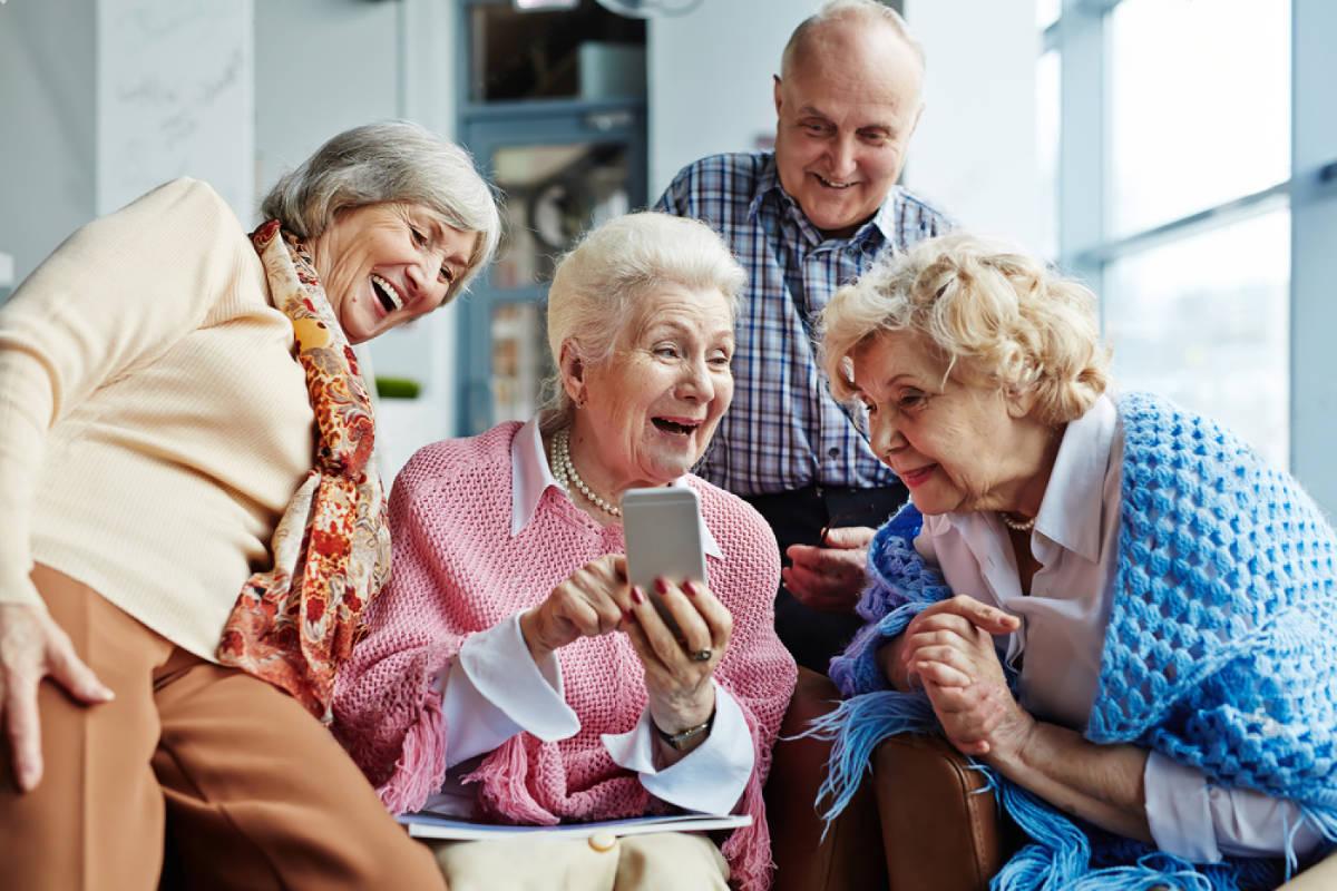 seniorzy w Senior Residence