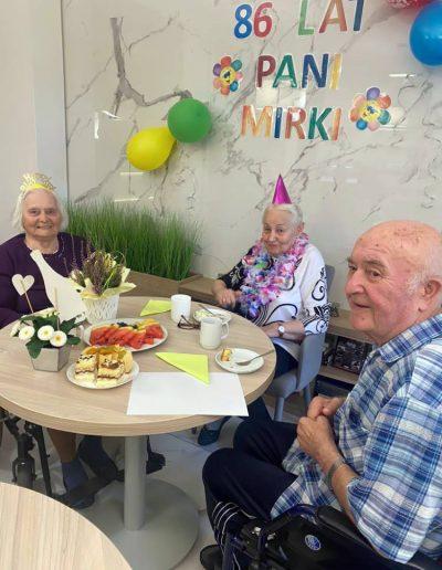 Prywatny Dom Opieki - 86 lat Pani Mirki